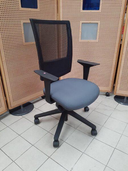 chaise à roulettes