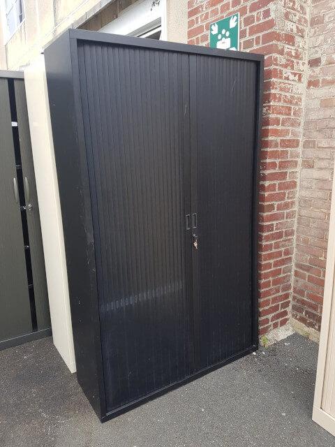 armoire haute à rideau noir L120 h200