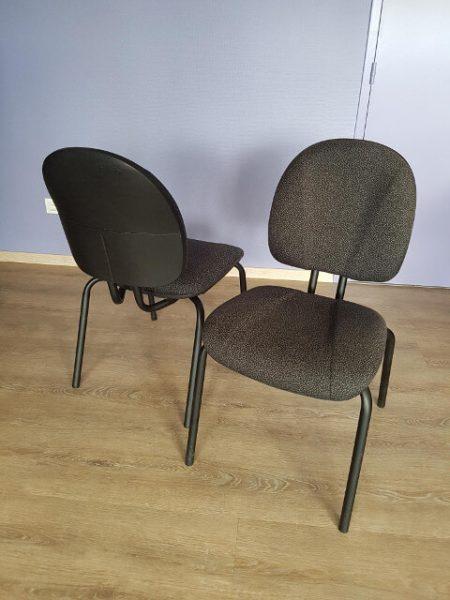 chaise tissu noir 4 pieds