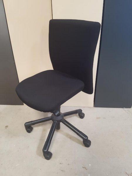 chaise roulettes tissu noir