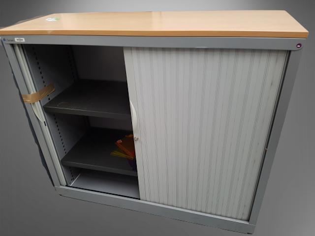 Armoire basse steelcase grismétal et top hêtre L120