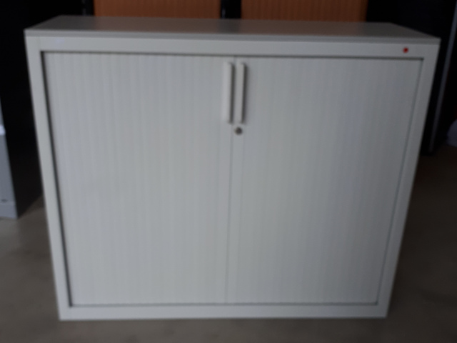 armoire basse gris clair STEELCASE