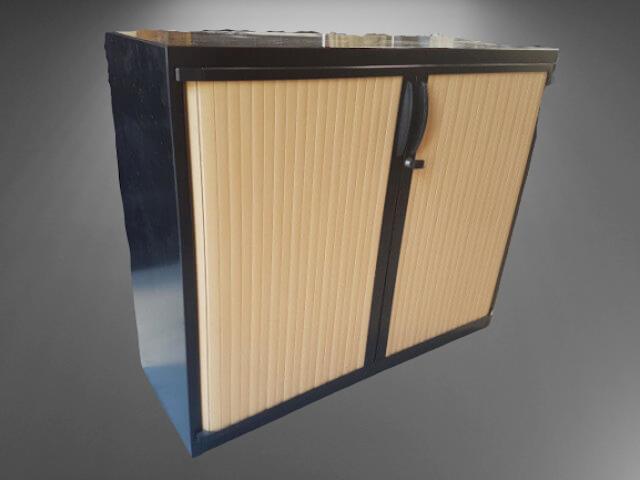 armoire basse L120 H1000 noire rideaux hêtre clair