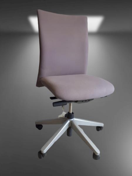 chaise à roulettes + accoudoirs