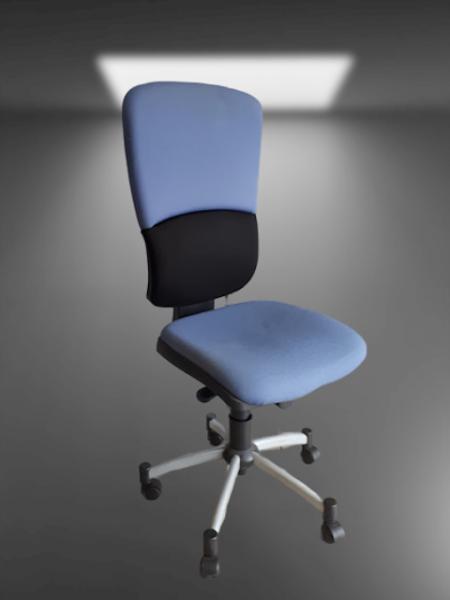 chaise à roulettes tissu noir et bleu