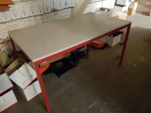 Table L140 P80 gris chiné