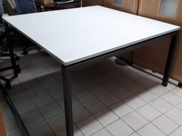 table carré L140