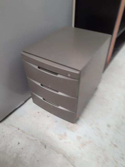 caisson à roulettes 3 tiroirs graphite à clé