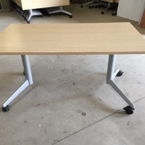 Z5.46 TABLE RABATTABLE STRAFOR 140X80 HETRE CLAIR