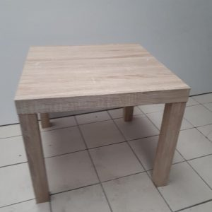Z5.54 TABLE BASSE CARRE  50 X 50 H 41.5  CHENE CLAIR