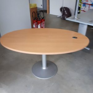 Z5.65 TABLE OVALE L150 P100 HETRE CLAIR  PIEDS CENTRAL