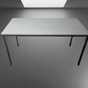 Z63.30 TABLE L140 P70 CHENE GRIS 4 PIEDS NOIRS