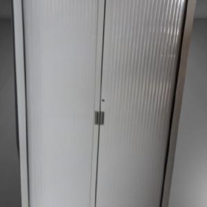 Z11.43 Armoire haute gris rideaux gris L120